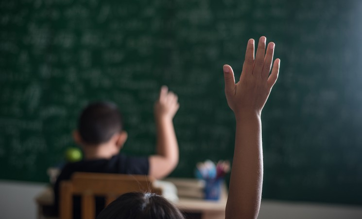 https://campaign-image.in/zohocampaigns/kid-raising-his-hand-classroom-745x450_zc_v8_3_12093000012769196.jpg